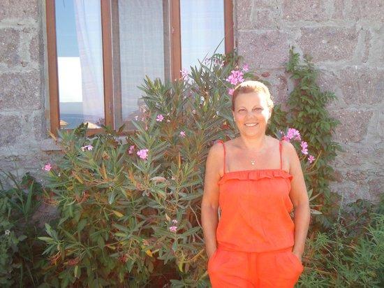 Sivrice Tashan Motel: otelin önünde