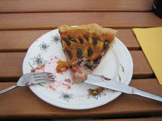 Bergrestaurant Bussalp: Plum tart