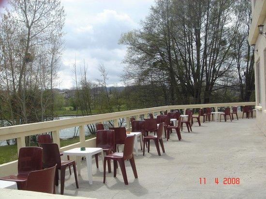 Hotel Acostel : Terasse de salle de réception
