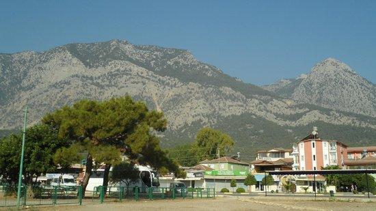 Venus Hotel: вид на горы из отеля