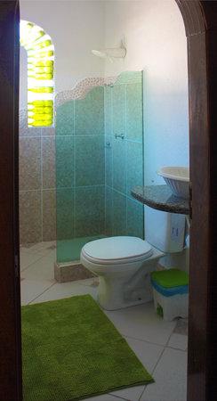 Pousada & Bistro Vilarejo: private bathrooms