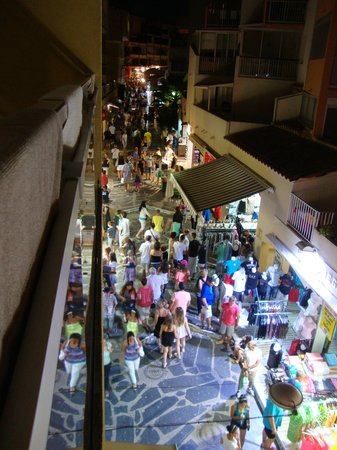 Hotel Sablotel: Blick am Abend auf die Flanerie