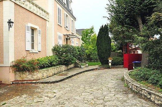 Le jardin secret b b noisy le grand france voir les for Le jardin secret chicha