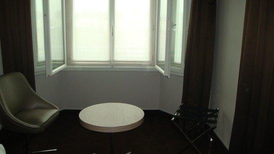 Hotel Acropole: Angolo con poltroncine