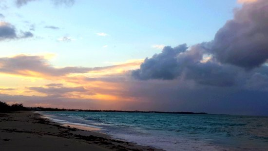 Treasure Cay Beach, Marina & Golf Resort: Amazing sunset view