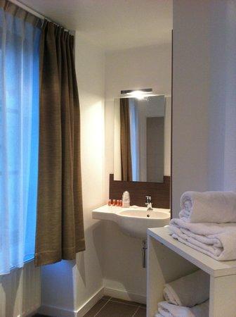 Hôtel du Château : salle de bain
