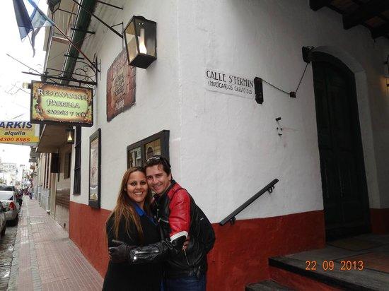 Antigua Tasca de Cuchilleros: Na porta do restaurante