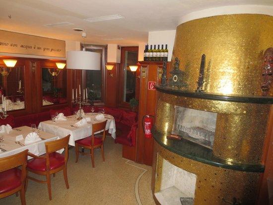 SensCity Hotel Albergo: Kaminlounge im Albergo - Rest. Vinsens