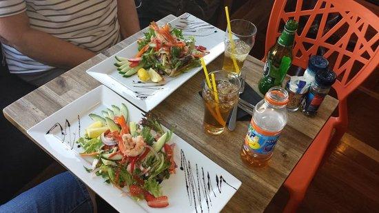 RJ's Diner: Prawn and Avocado salad