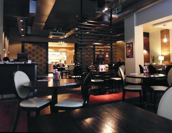 Premier Inn Birmingham City Centre (Waterloo Street) Hotel: Breakfast dining area.