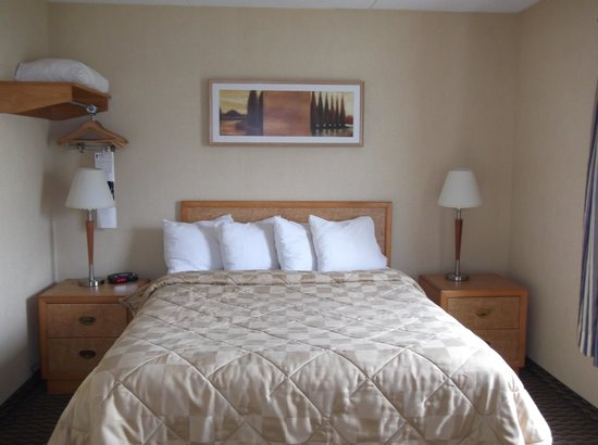 Comfort Inn - Truro: Chambre à coucher