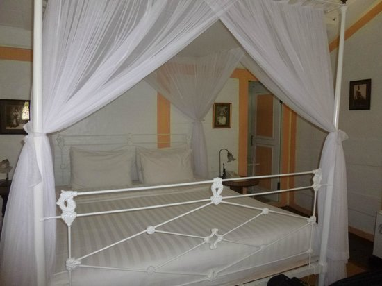 Hotel Puri Tempo Doeloe : lovely clean rooms