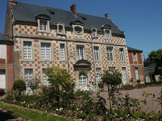 Normandie bernay logis abbatiale photo de bernay for Logis de france annecy et environs