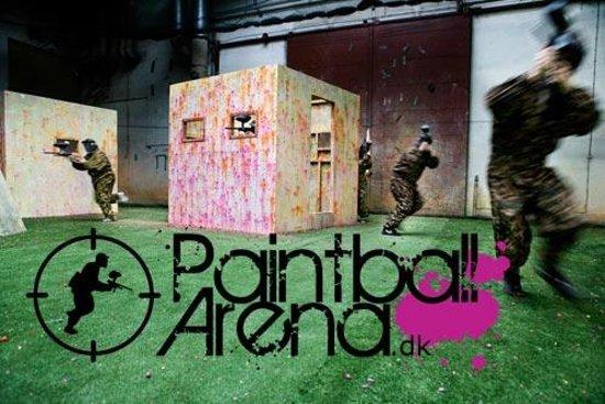 Blondine Ficken nach der Paintball Arena