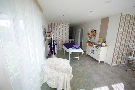 AmbienteHotel Quellenpark: Kosmetik / Physiotherapie