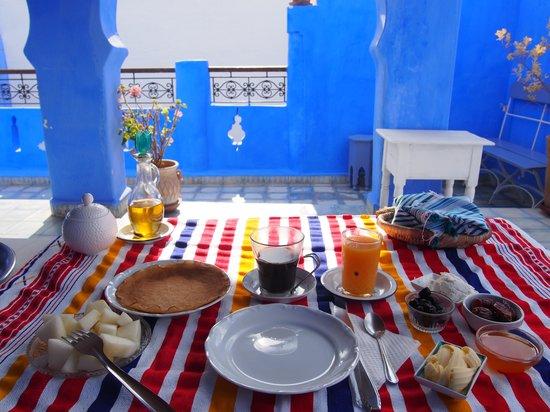Casa Perleta: Breakfast at Terrace