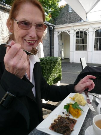 Cafe at the Palace: Haggis, tatties and neaps