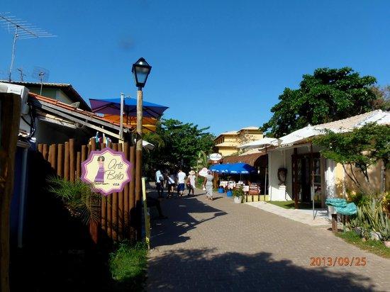 Pousada Farol das Tartarugas: Centro comercial