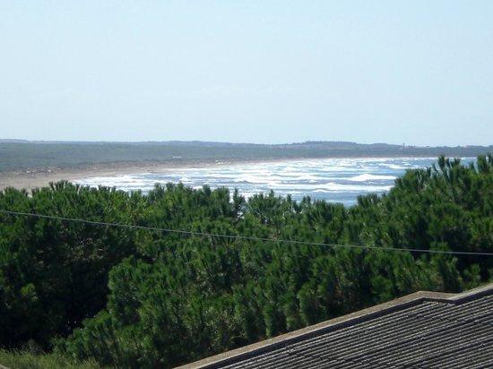 B&B Andrea e Valentina: Vista dal balcone su una della spiagge vicine