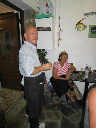 Yiayiaka's Kitchen: Wunderbare Küche, supernette Besitzer