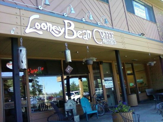 Looney Bean Coffee: Looney Bean exterior--patio chairs and wifi available!