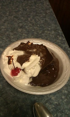 Clarence's Drive-In: Hot Fudge Cake
