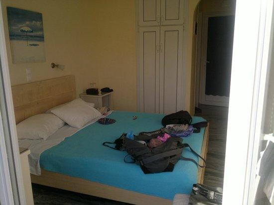 Captain Manolis Hotel: camera primo piano