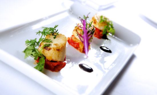 The Restaurant at Duisdale House Hotel: Scallops