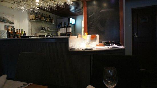 Restaurant Karljohan: View of the bar area