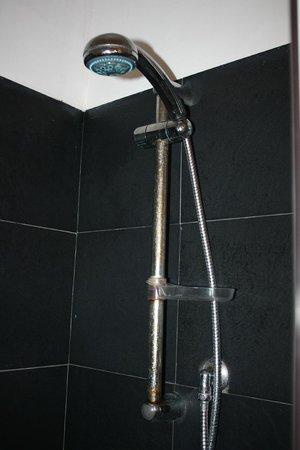 Doccia con ruggine e sporco foto di hotel egitarso san vito lo capo tripadvisor - Muffa nella doccia ...