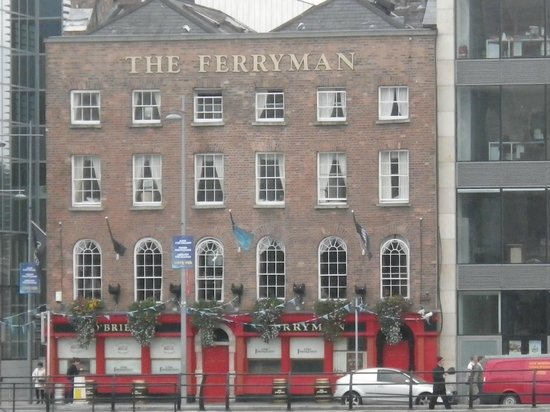 Ferryman Hotel: View of the front of the Hotel