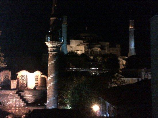 Modern Sultan Hotel : night  view