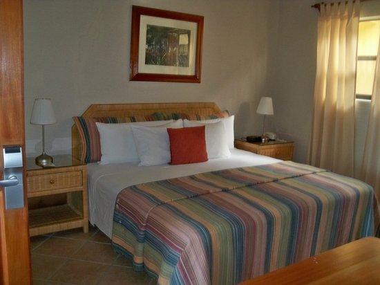 Clarion Suites Roatan at Pineapple Villas: Bedroom