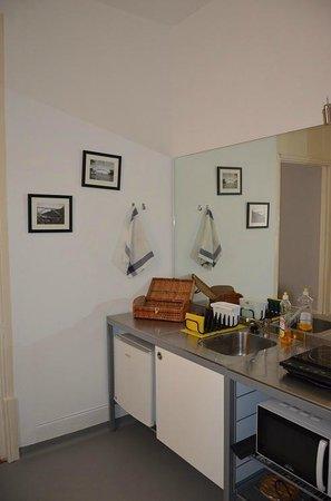 Downtown Moinho de Vento Studios : Balcony Studio (kitchen)