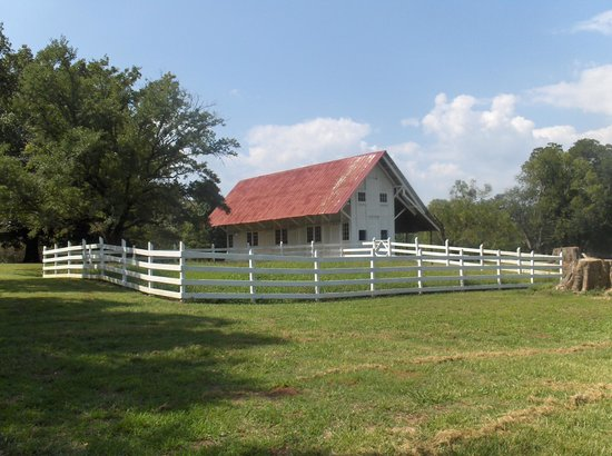 Redcliffe Plantation State: Small building near house