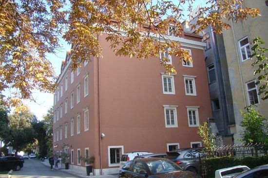 Hotel Bastion : façade de l'hôtel