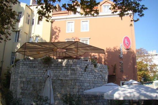 Hotel Bastion : terrasse du restaurant