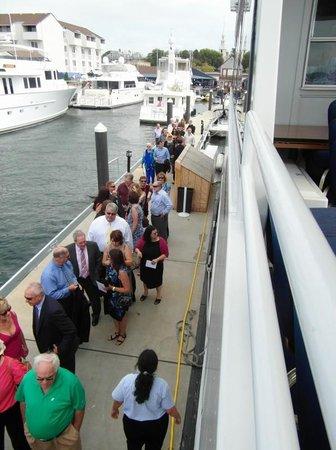 Newport Majestic Cruises: Boarding the Majestic