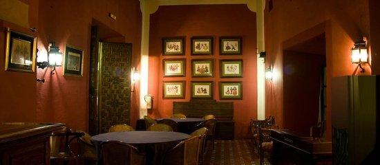 Casa Puerta de Cordoba: Salón Cafetería
