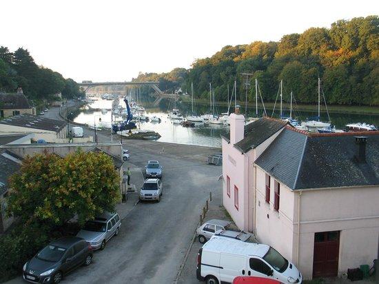 Port De St Goustan : Sortie du port de St-Goustan