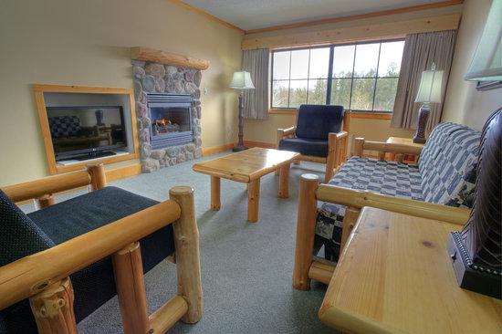 Breezy Point Resort: Breezy Inn King Executive Suite