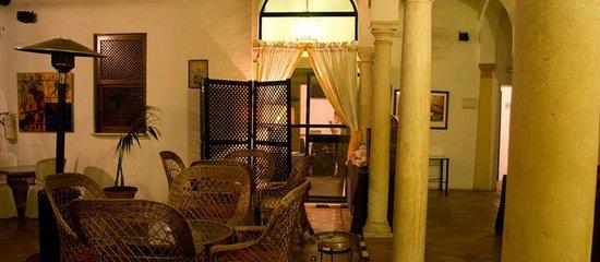 Casa Puerta de Cordoba: Patio
