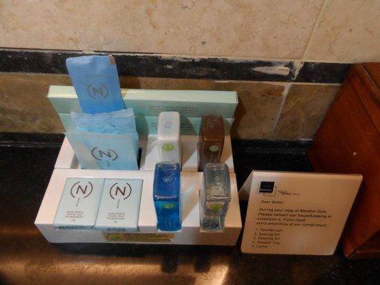 Novotel Solo: Salle de bain bien approvisionnée
