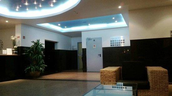 Flor da Rocha - Touristic Apartments : Reception Area