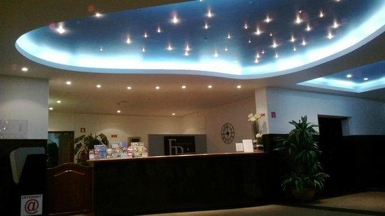Flor da Rocha : Reception Desk