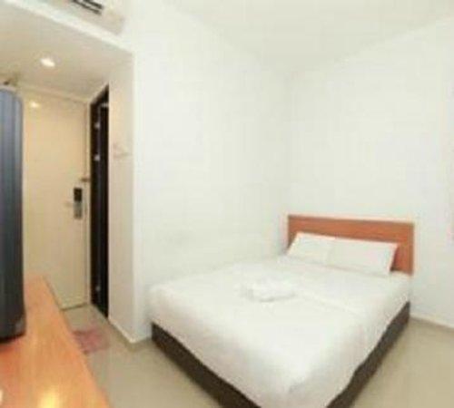 Hotel 193: Standard Room