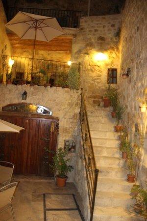 Cappadocia Castle Cave Hotel: la cours