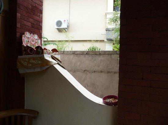 Bisma Sari Resort : ofreda del templo