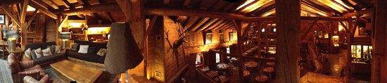 Les Fermes de Marie: vue panoramique de la mezzanine et du restaurant