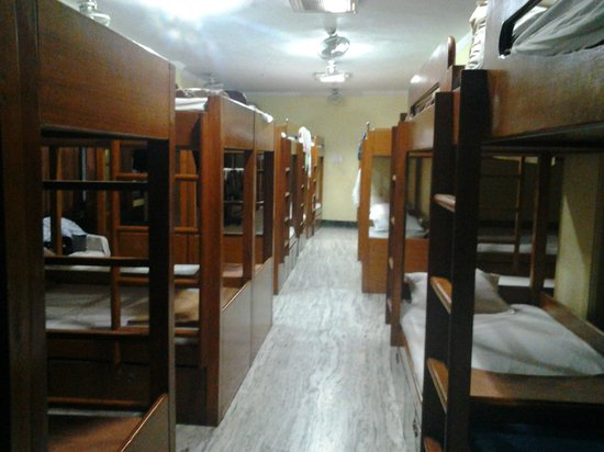 Hotel Atithi Satkaar: a/cdormtry @Rs. 200 per day per bed